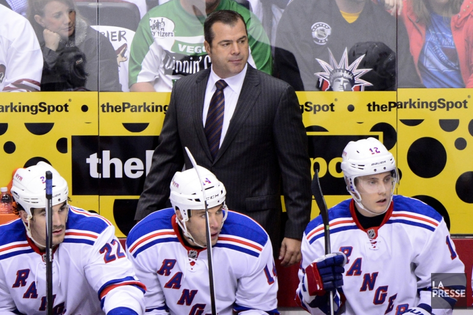 Alain Vigneault connaît un début de saison difficile... (Photo Matt Kartozian, USA Today)