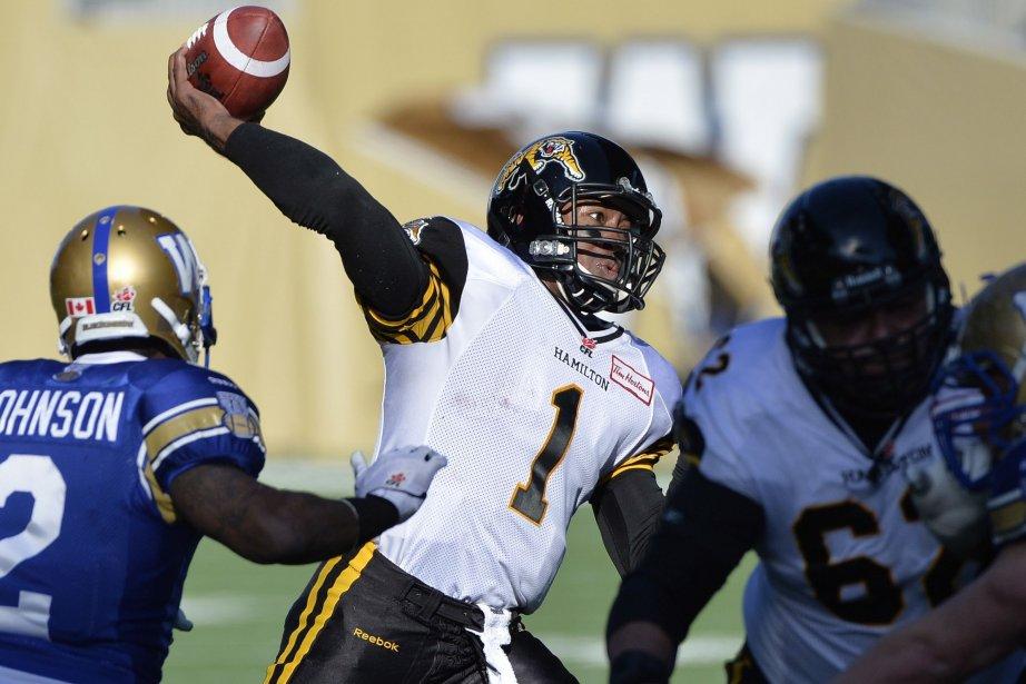 Henry Burris a réussi 17 passes sur 24... (Photo Fred Greenslade, La Presse Canadienne)