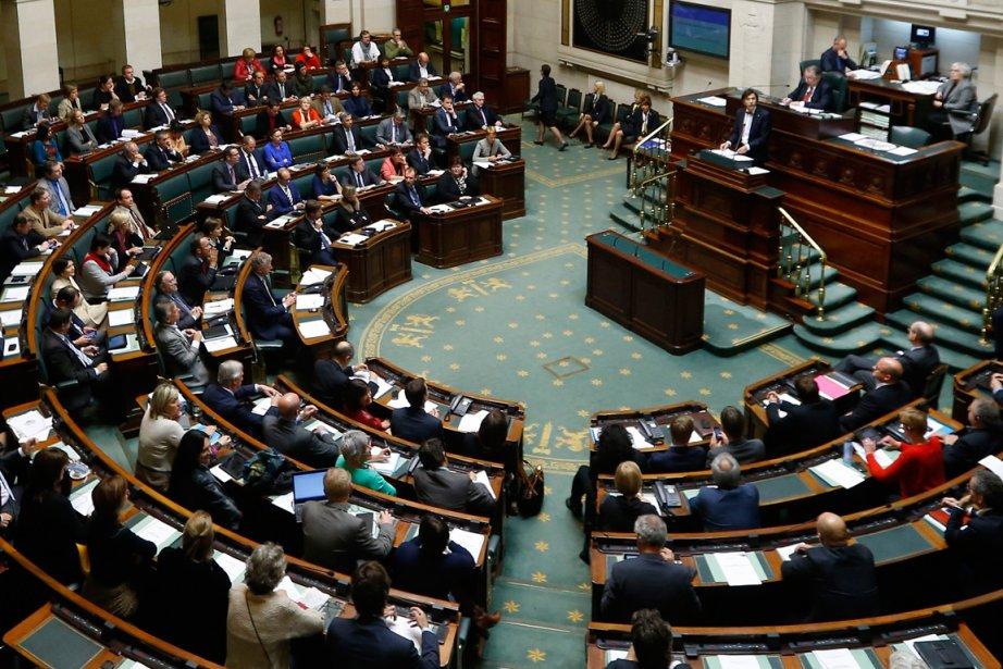La décision finale sera rendue par le Parlement,... (PHOTO YVES HERMAN, REUTERS)