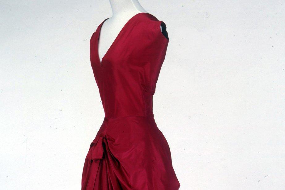 Une robe signée Cristobal Balenciaga... (Photo: AP)