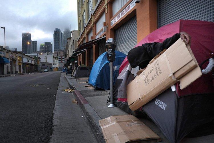 Le nombre de personnes pauvres aux États-Unis passe... (Photo: AP)