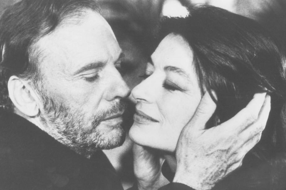 Jean-Louis Trintignant et Anouk Aimée dans Un homme... (Photo fournie par Radio-Canada)