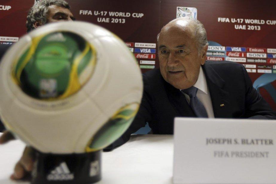 Blatter a émis ce commentaire à Abou Dhabi... (Photo AFP)