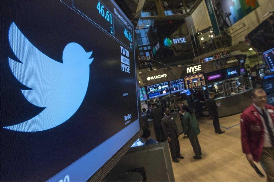 L'action Twitter a bondi de plus de 70%... (PHOTO BRENDAN MCDERMID, REUTERS)