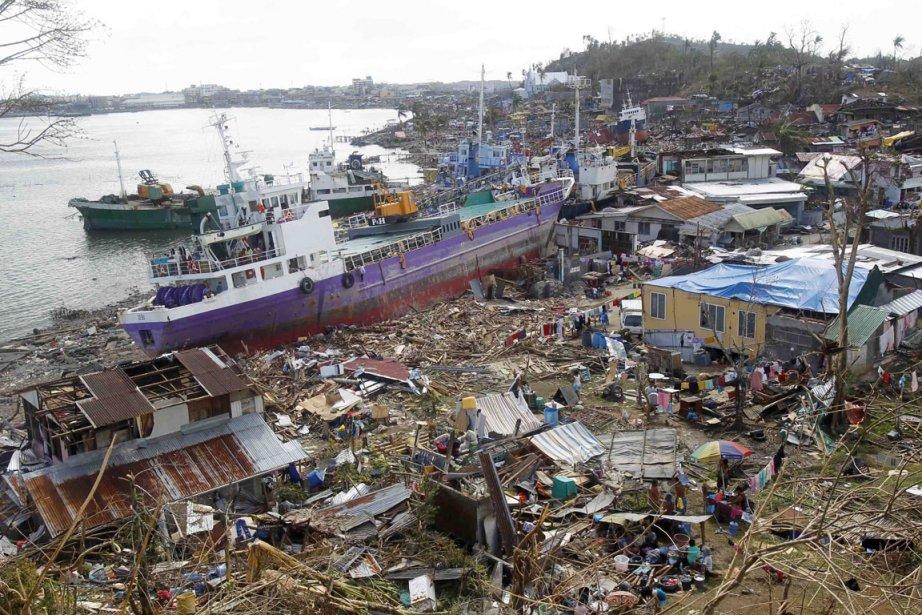 À Daanbantayan comme à Tacloban, il ne reste... (PHOTO ROMEO RANOCO, REUTERS)
