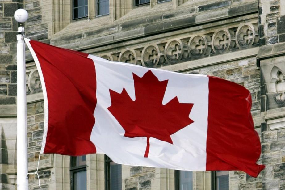 Avec un surplus budgétaire en 2015, le Canada... (PHOTO TOM HANSEN, LA PRESSE CANADIENNE)