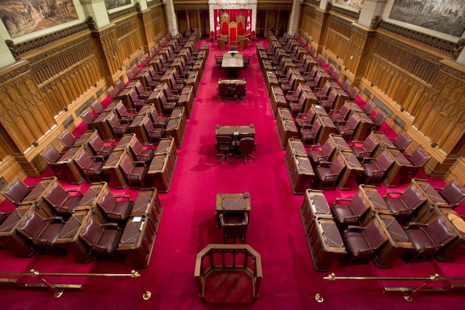 Bombardé de questions par les juges, le procureur... (Photo Adrian Wyld, PC)