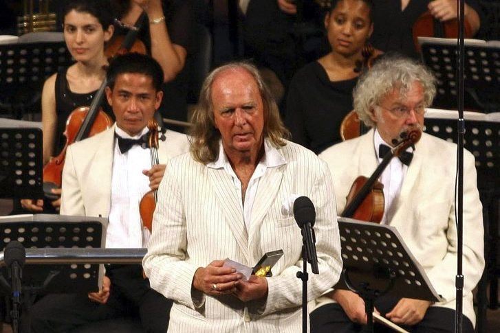 John Tavener (à l'avant)... (Photo: archives AP)