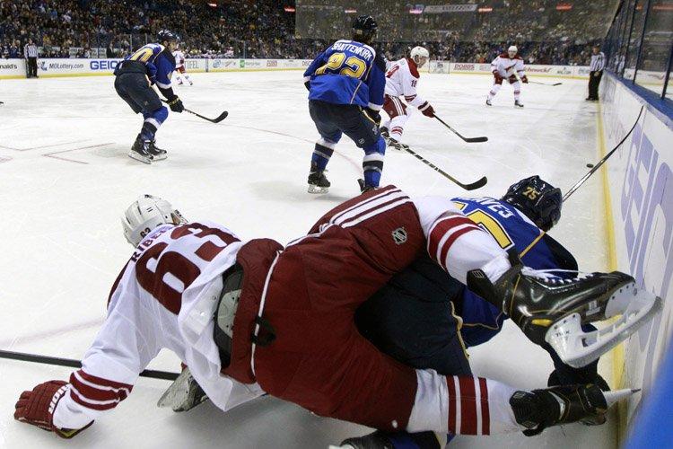 Oliver Ekman-Larsson a marqué à 56 secondes de la prolongation,... (Photo: AP)