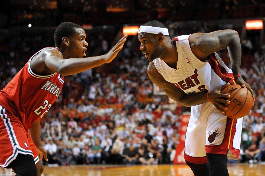 LeBron James (à droite), du Heat de Miami,... (Photo Steve Mitchell, USA Today)