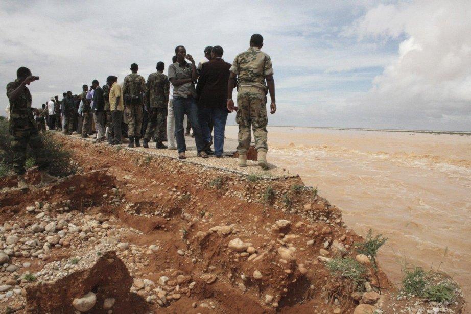 La principale route goudronnée, reliant la capitale du... (Photo Reuters)