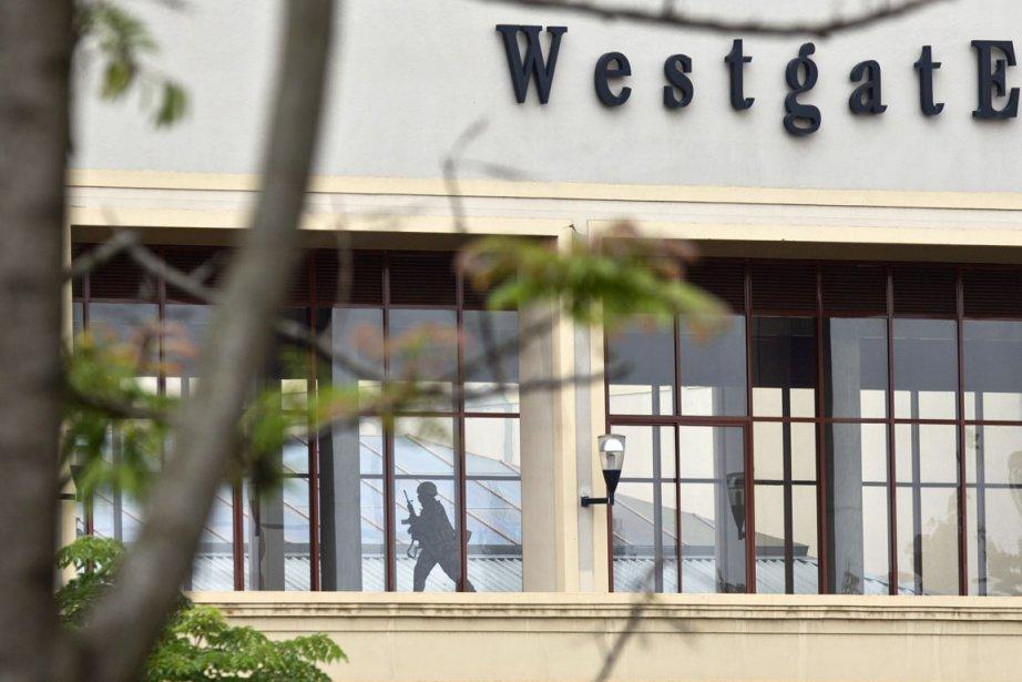 L'attaque du Westage, revendiquée par les insurgés islamistes... (PHOTO BEN CURTIS, ARCHIVES AP)