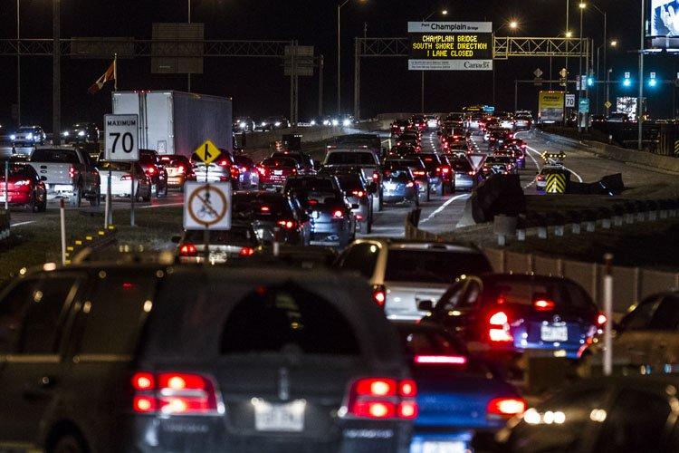La congestion sur le pont Champlain après la... (Photo: Olivier Pontbriand, La Presse)