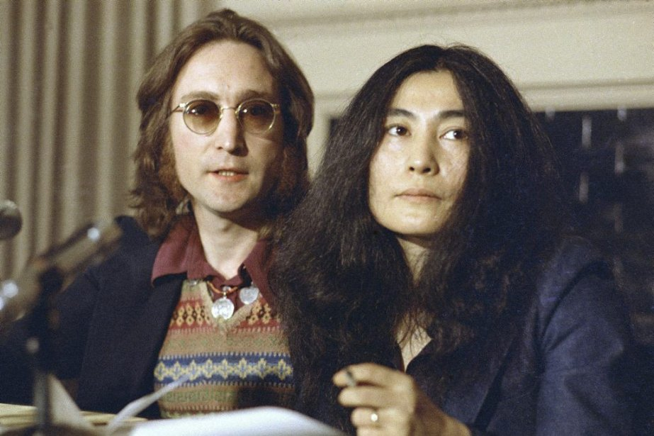 John Lennon et Yoko Ono, en 1973.... (Photo AP)