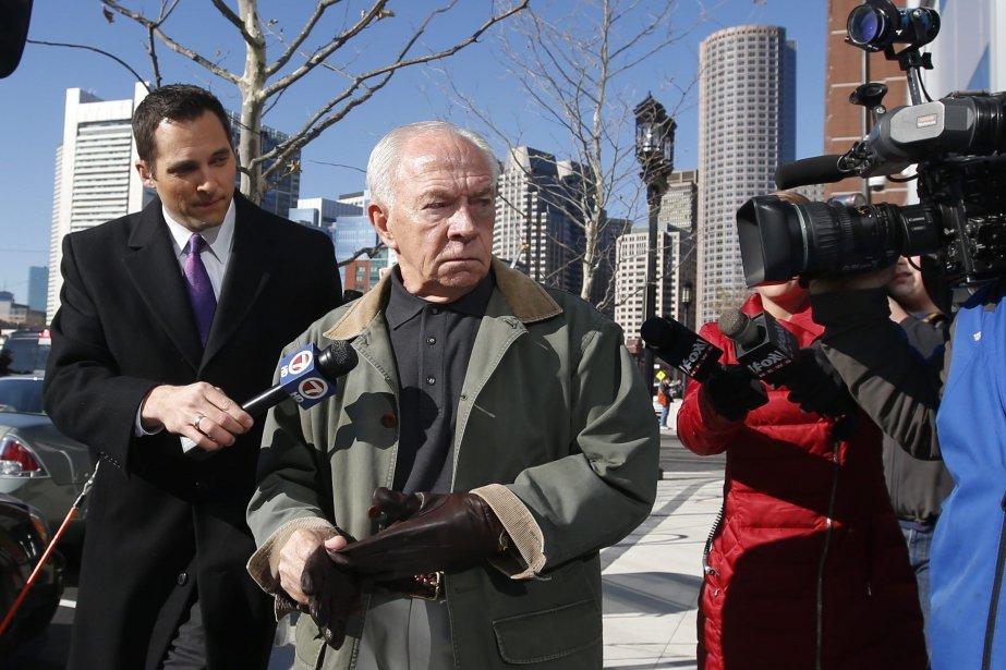 La peine imposée à Bulger pour son règne... (Photo Elise Amendola, AP)