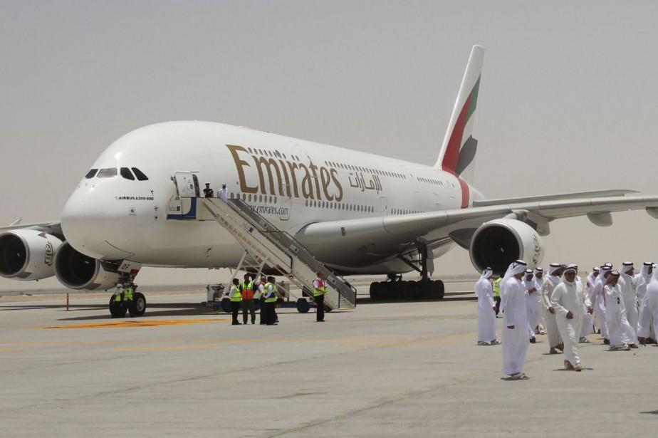 Un avion de la compagnie Emirates Airline.... (PHOTO ARCHIVES AGENCE FRANCE PRESSE)