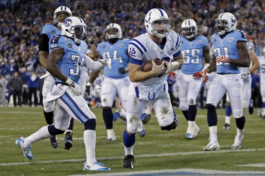 Le quart des Colts Andrew Luck a inscrit... (Photo Wade Payne, AP)