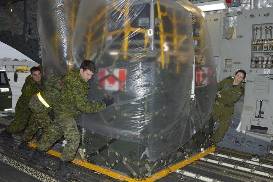 Les militaires canadiens continuent d'arriver cette semaine aux... (Photo PC)