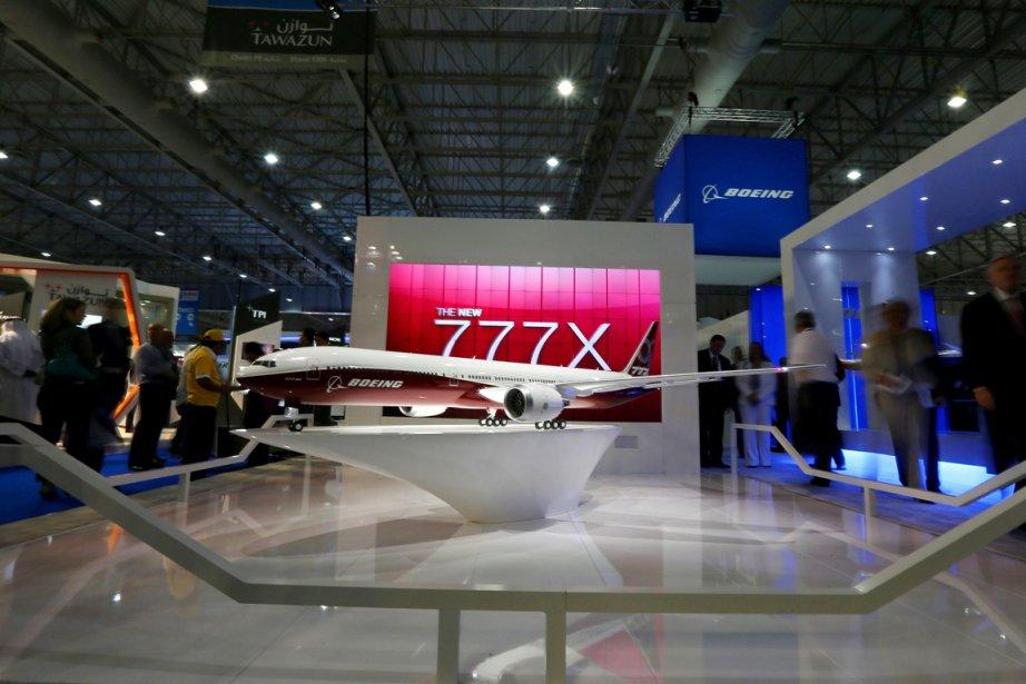 Un modèle duBoeing777-9X ausalon aéronautique de Dubaï.... (PHOTO MARWAN NAAMANI, AFP)
