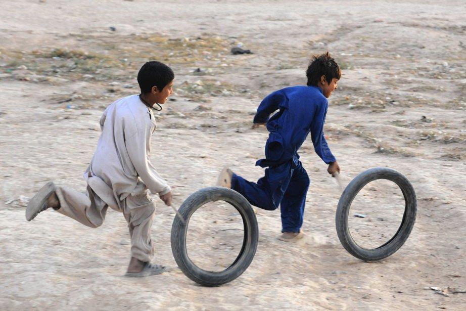 Les enfants jouaient quand l'un d'eux a déclenché... (PHOTO AREF KARIMI, ARCHIVES AFP)
