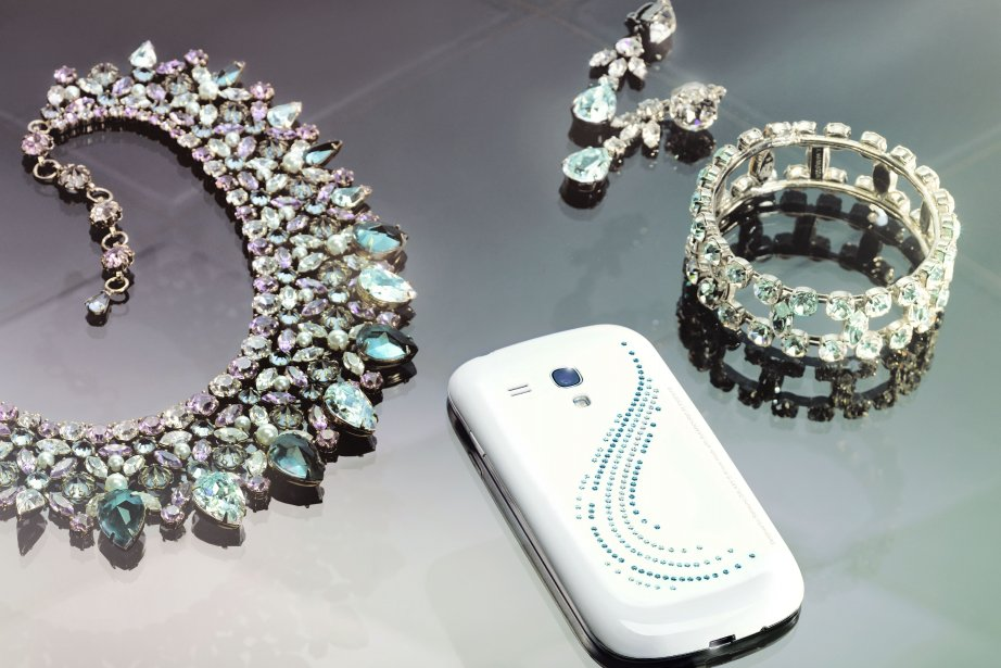 Le Samsung GALAXY S III mini Crystal Edition... (Photo fournie par Samsung)