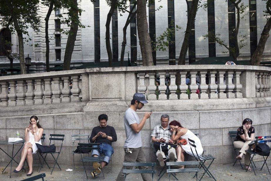 Les utilisateurs des réseaux sociaux sont particulièrement nombreux... (Photo Damon Winter, Archives The New York Times)