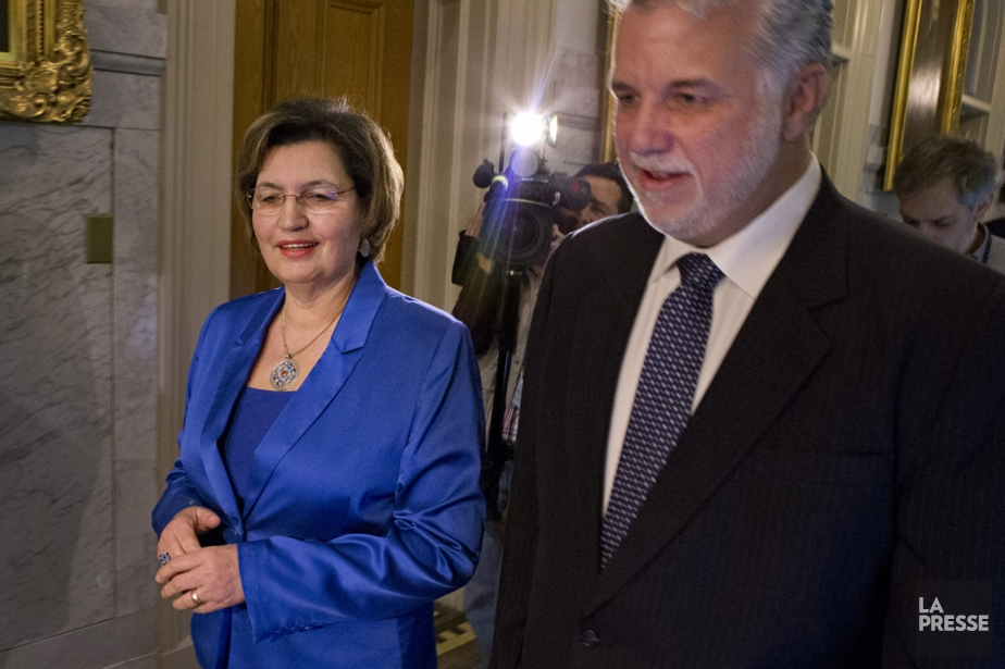 La députée libérale Fatima Houda-Pépin en compagnie de... (Photo Ivanoh Demers, La Presse)