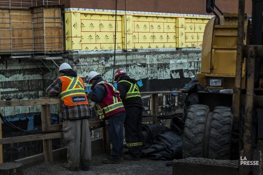 L'accident s'est produit sur un chantier de construction... (Photo Olivier Pontbriand, La Presse)