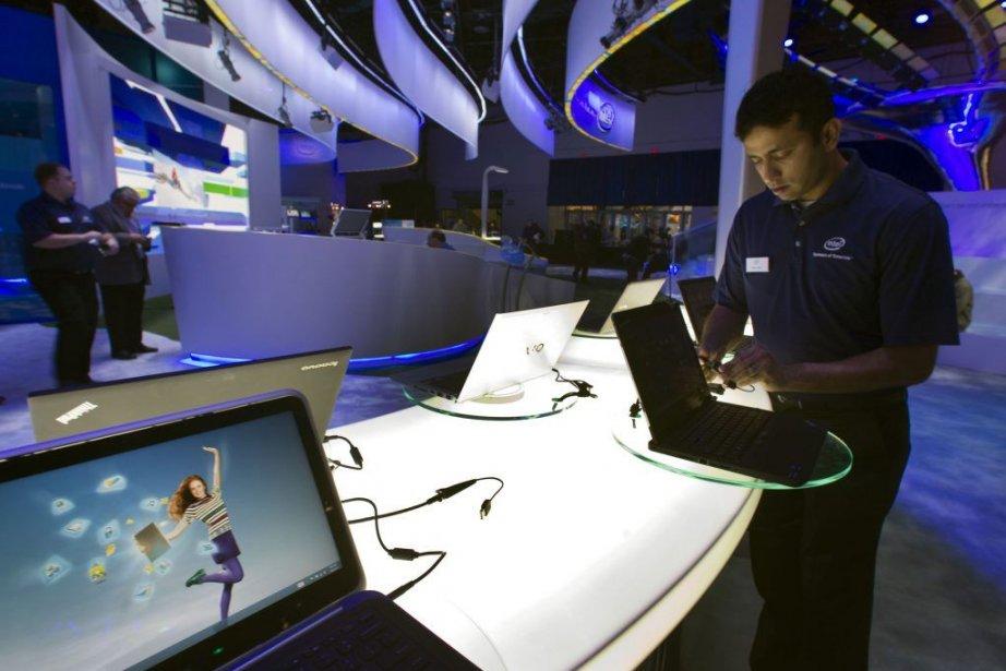 Les ventes mondiales de PC, cannibalisées par l'essor... (PHOTO STEVE MARCUS, REUTERS)