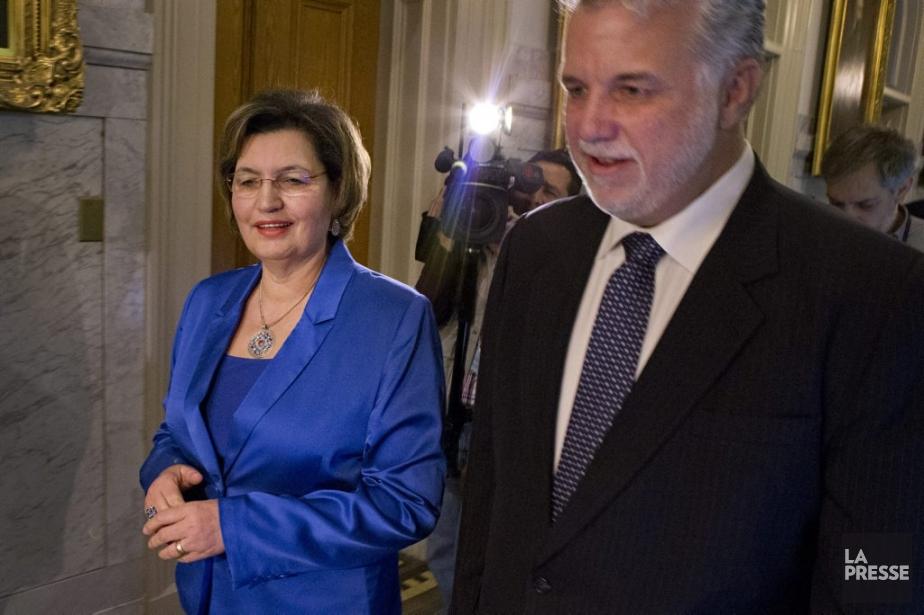 Le chef libéral, Philippe Couillard, en compagnie de... (Photo Ivanoh Demers, La Presse)
