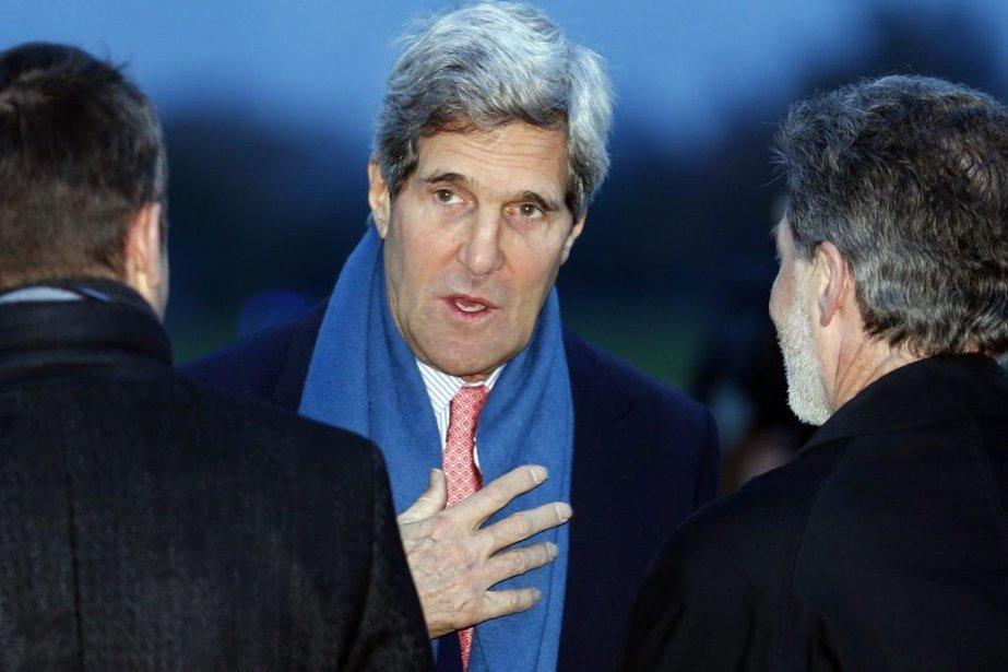 Le secrétaire d'État américain John Kerry à son... (Photo Denis Balibouse, AP)