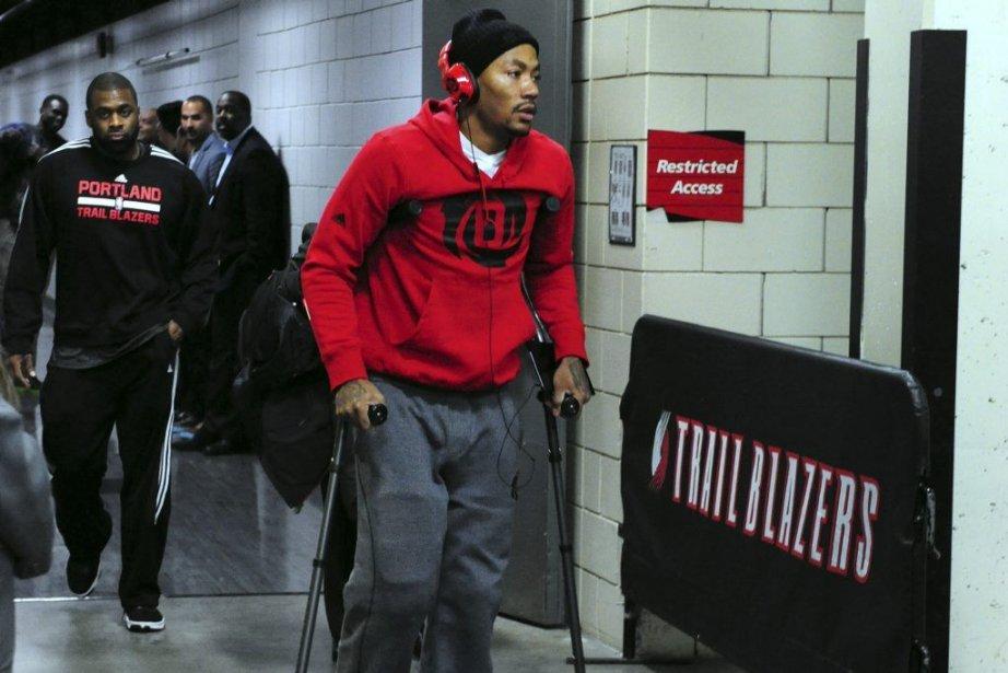 Derrick Rose a dû quitter le Moda Center... (PHOTO STEVE DYKES, USA TODAY)