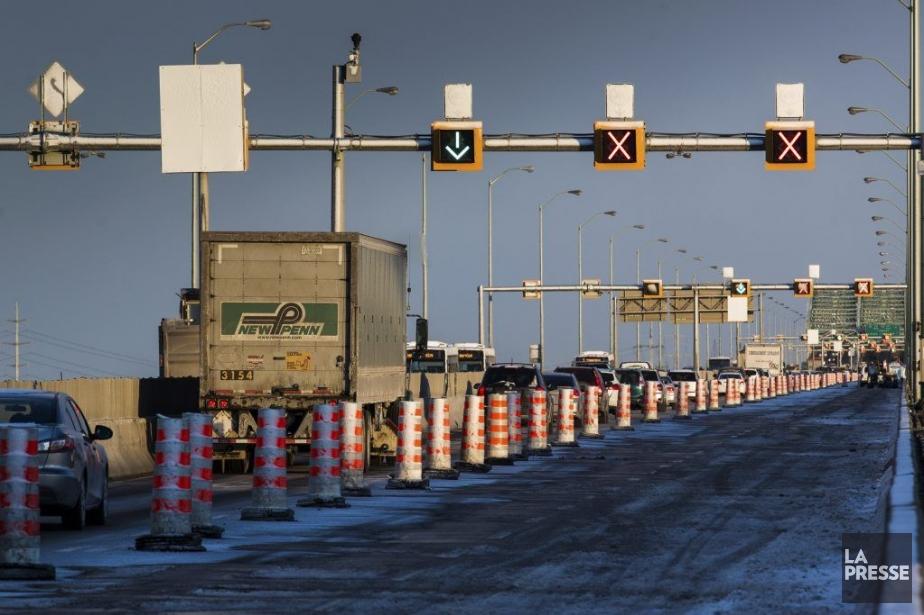 UJET : Photo du trafic et des voies... (PHOTO EDOUARD PLANTE-FRECHETTE, LA PRESSE)