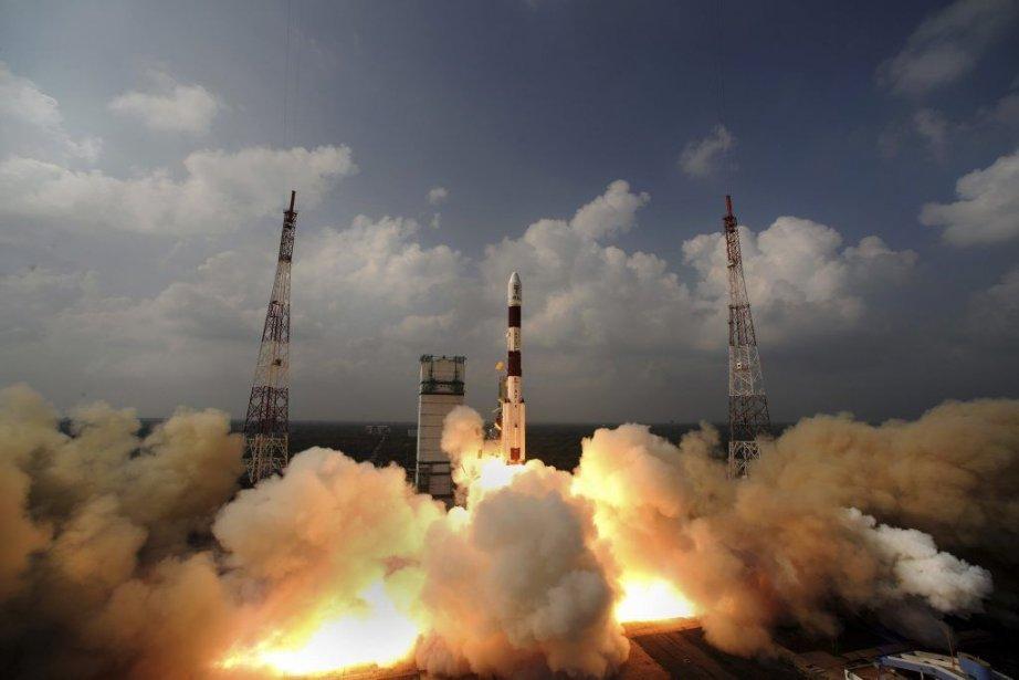 La fusée qui a lancé la sonde Mangalyaan... (PHOTO FOURNIE PAR L'ISRO/AFP)