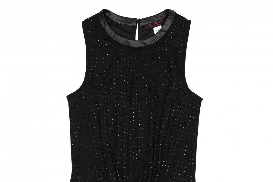 Pièce incontournable du vestiaire féminin, la petite robe noire sera cette...
