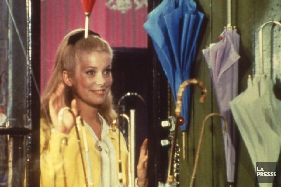 Catherine Deneuve dans Les parapluies de Cherbourg.... (Photo: archives La Presse)