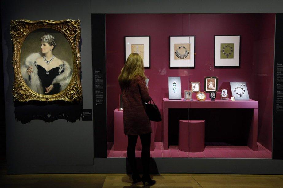 L'exposition montre la variété des styles Cartier à... (PHOTO FRANCOIS GUILLOT, AFP)