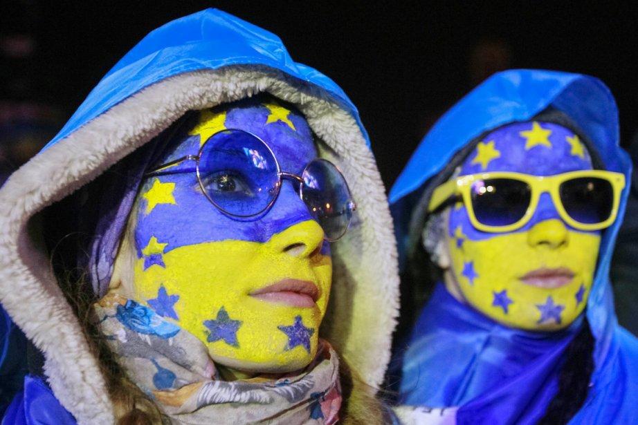 Les manifestations, sans précédent depuis la Révolution orange... (PHOTO GLEB GARANICH, REUTERS)