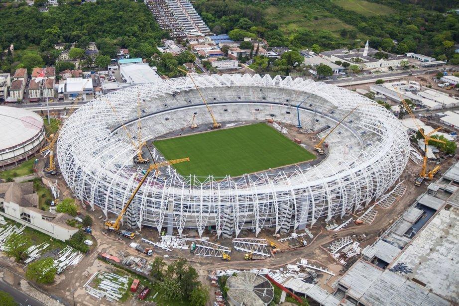 Le stade de Porto Alegre est l'un des... (Photo archives AP)