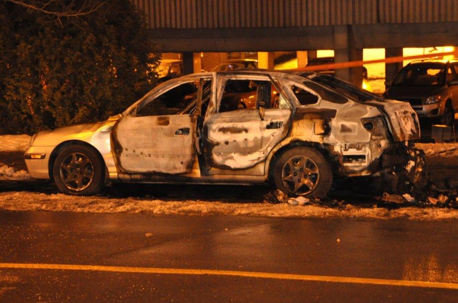 La cause de l'incendie est considérée comme suspecte.... (Photo Sylvain Ryan, collaboration spéciale)