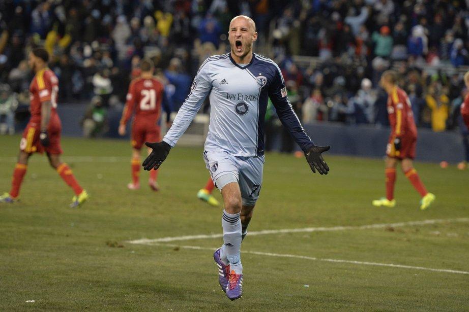 Le défenseurAurelien Collindu Sporting KC célèbre son but... (Photo Jasen Vinlove, USA Today)