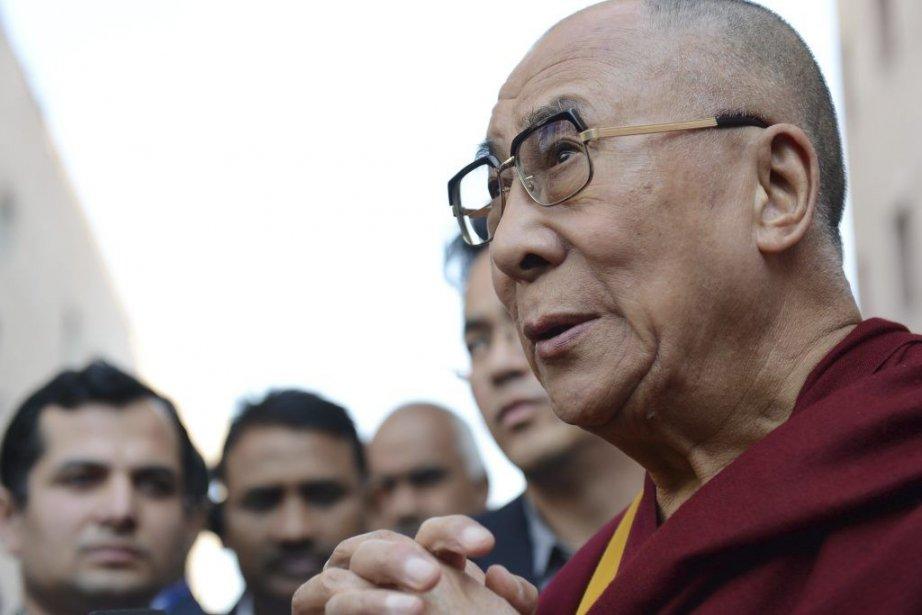 Le dalaï-lama avait rendu visite au Cap en... (PHOTO ROBERTO SCHMIDT, AFP)
