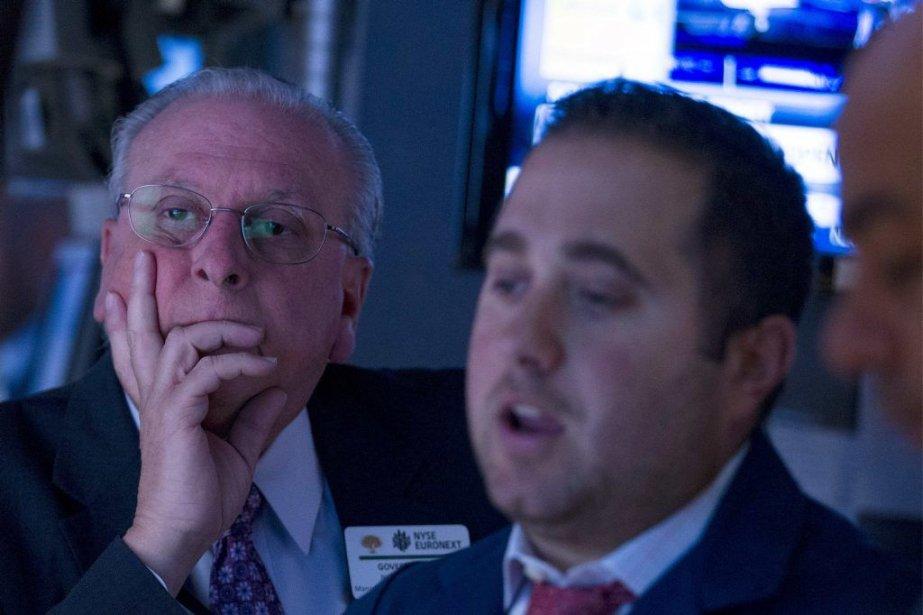 «Les investisseurs sont sur un mode de prises... (PHOTO BRENDAN McDERMID, REUTERS)