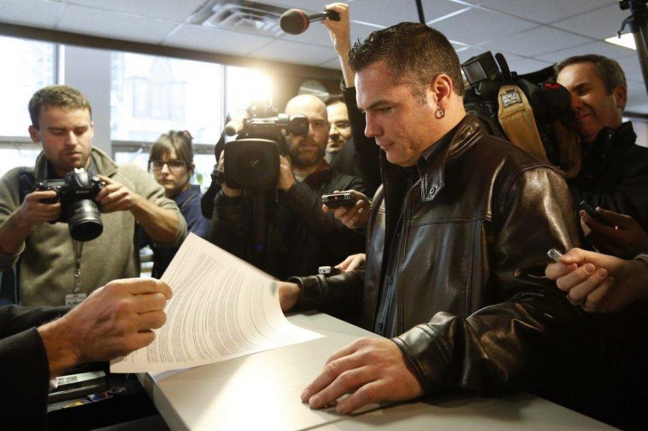 Puisqu'il siégeait depuis comme sénateur indépendant, M.Brazeau estimait... (Photo Reuters)
