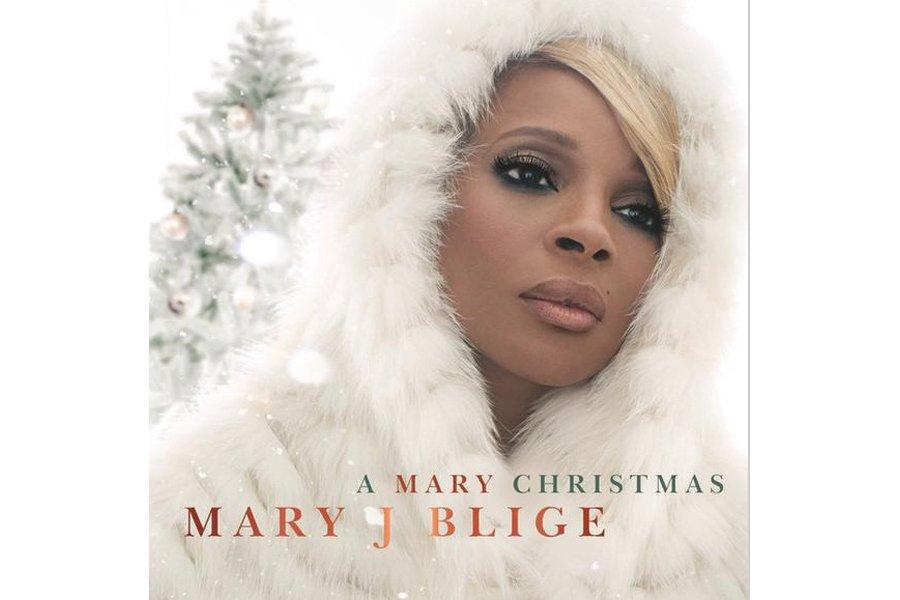 L'album de Noël peut sembler un raccourci facile pour un artiste, surtout quand...