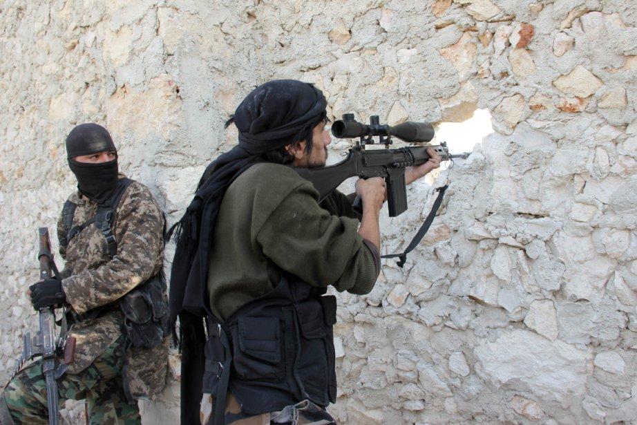 L'Armée syrienne libre (ASL), bras armé de la... (PHOTO MEDO HALAB, ARCHIVES AFP)