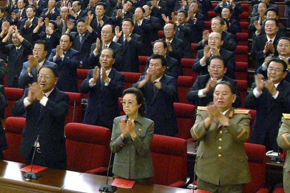 Le fait que Kim Kyong-hui (à l'avant au... (PHOTO ASSOCIATED PRESS)