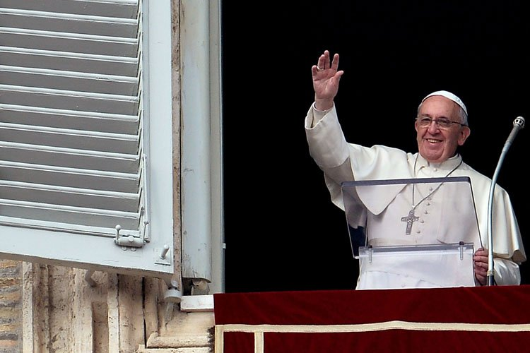 Le pape François a appelé les dirigeants des... (Photo: AFP)