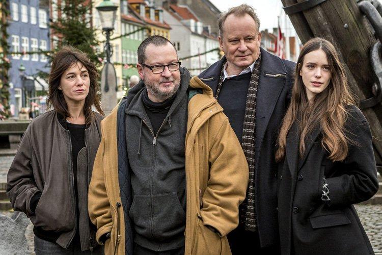 Le réalisateur Lars von Trier est entouré de... (Photo: AP)