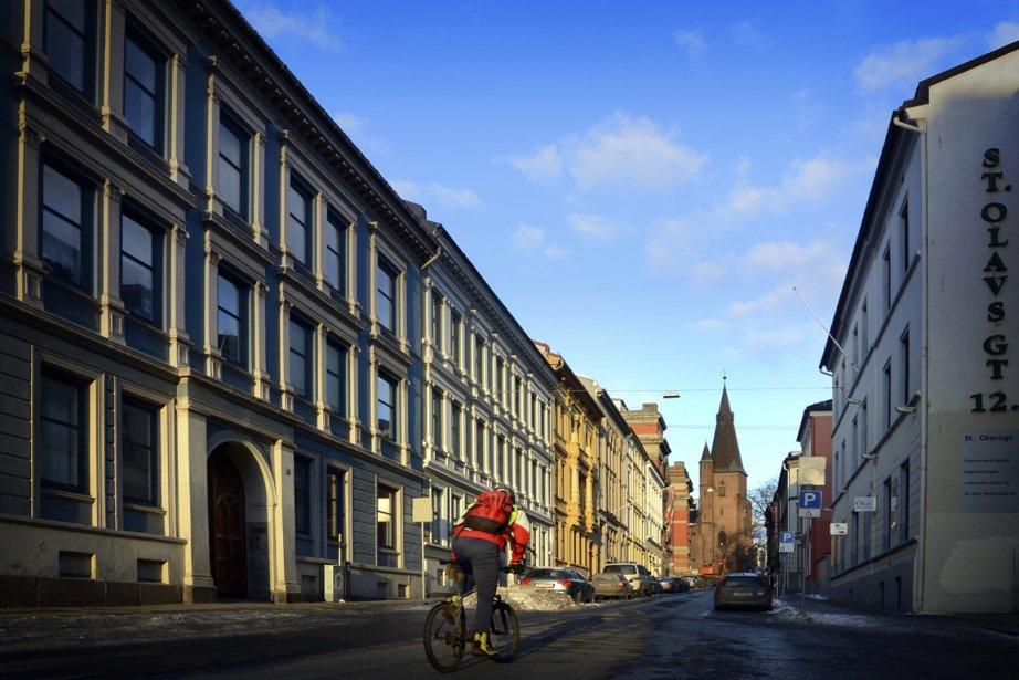 Vélo d'hiver dans les rues d'Oslo. (Photo Bernard Brault, La Presse)